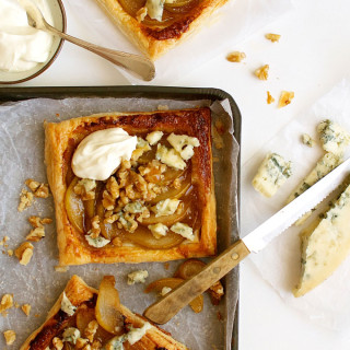 Caramelized-Pear-Blue-Cheese-Gorgonzola-Tart-2